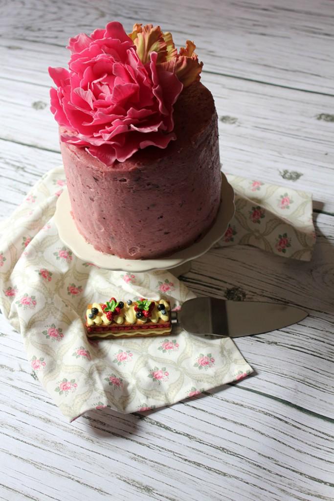 Tarta de Choco Blanco y Cerezas