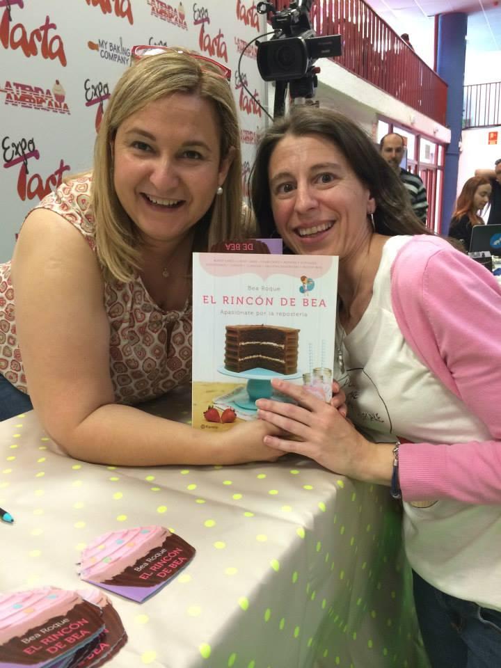 Olga en el pais de los cupcakes con Bea Roque