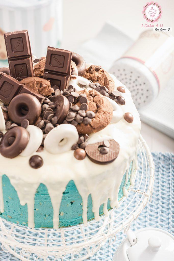Drip Cake de Brownie con Crema de Cacahuete y Chocolate Blanco