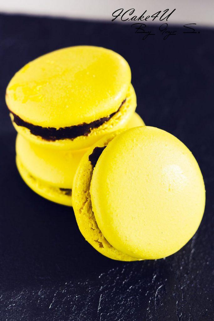 Macarons de Plátano con Praliné de Avellanas